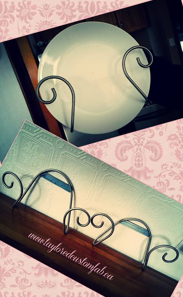 Curly Plate Holders