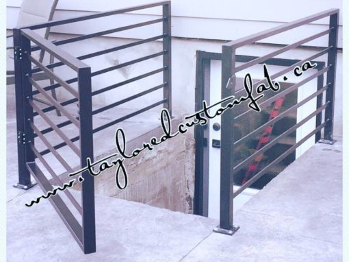 Horizontal Spindle Railing & Gate